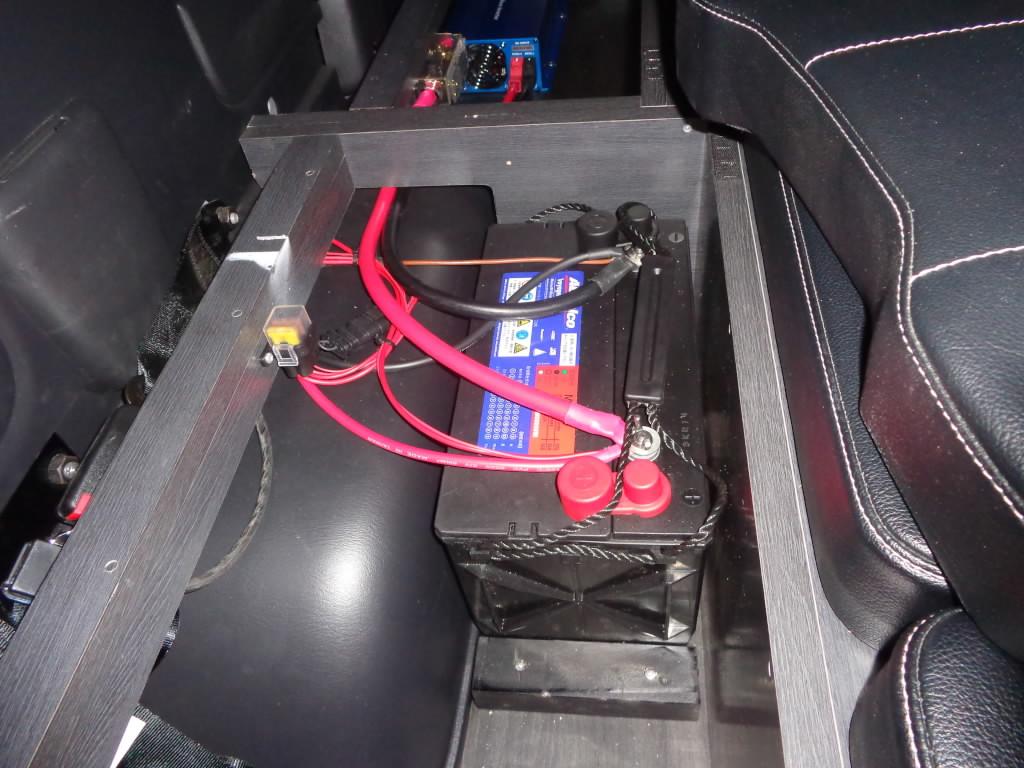 サブバッテリーにてヒーターを駆動します。